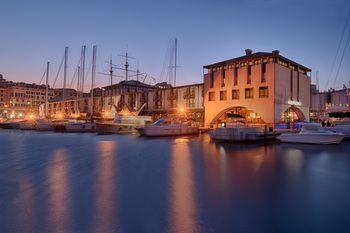 Italien Karta Genova.Nh Collection Genova Marina Billiga Hotell I Genua Italien Med