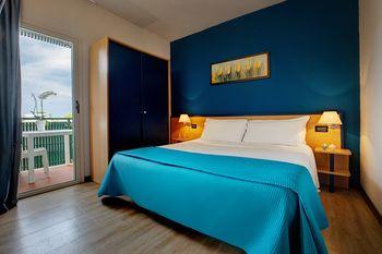 Porto giardino resort billiga hotell i monopoli italien med prisgarani - Porto giardino resort monopoli ...